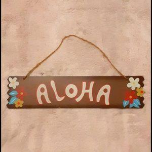 """EUC! """"Aloha"""" hanging wall decor sign"""
